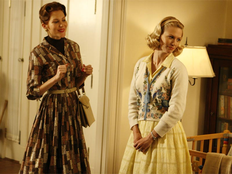 Helen Bishop (Darby Stanchfield) and Betty Draper (January Jones) - Mad Men - Season 1, Episode 4 - Photo Credit: Carin Baer/AMC