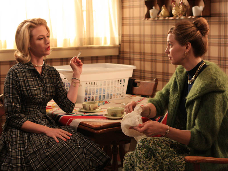 Betty Draper (January Jones) and Francine Hanson (Anne Dudek) - Mad Men - Season 2, Episode 1 - Photo Credit: Carin Baer/AMC