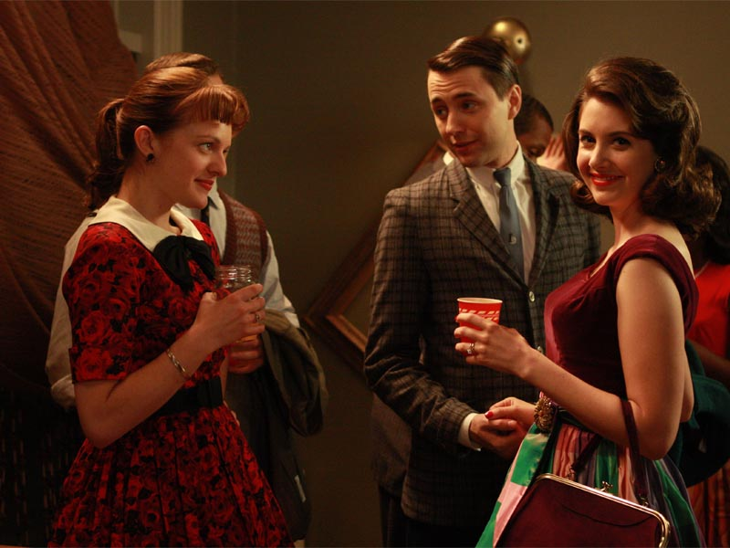 Peggy Olson (Elisabeth Moss), Pete Campbell (Vincent Kartheiser) and Trudy Campbell (Alison Brie) - Mad Men - Season 2, Episode 2 - Photo Credit: Carin Baer/AMC