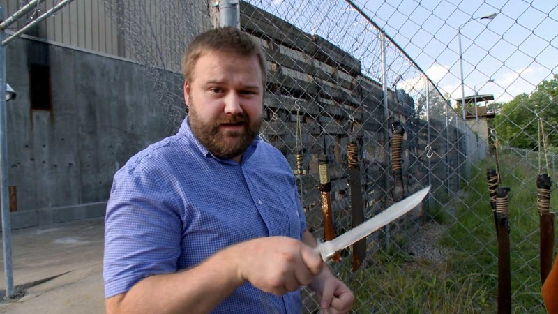 Robert Kirkman on the Set of Season 4: The Walking Dead
