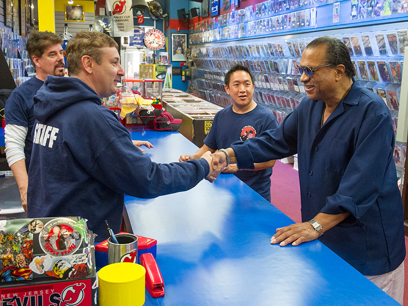 comic-book-men-episode-414-walt-billy-dee-williams-ming-mike-800×600