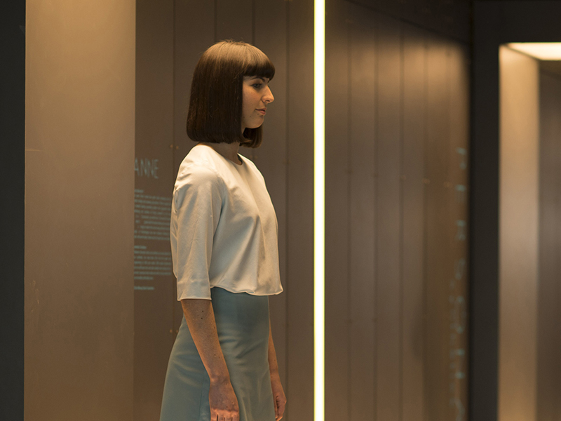humans-episode-101-synth-800x600-3