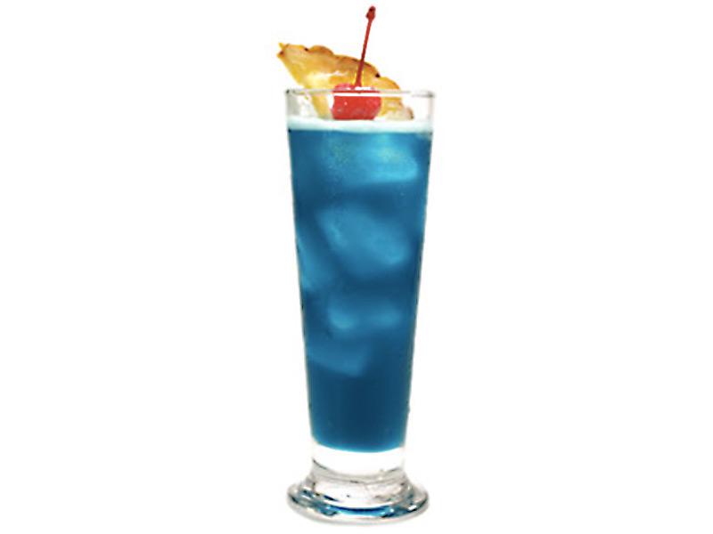 mm-cocktail-blue-hawaiian-800×600