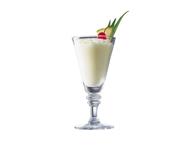 mm-cocktail-pina-colada-800×600