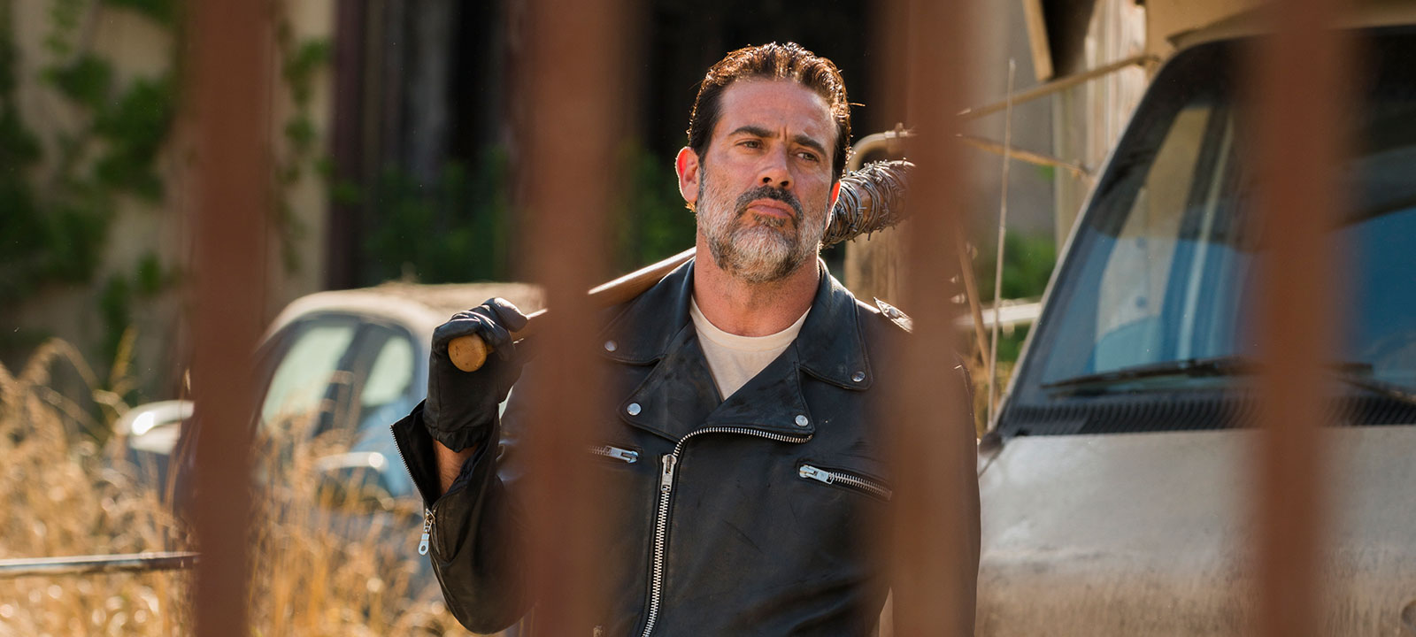 the-walking-dead-season-7-negan-morgan-800×600-photos-1