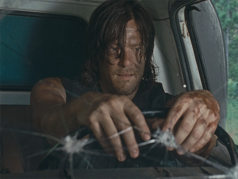the-walking-dead-episode-609-daryl-reedus-800x600-3