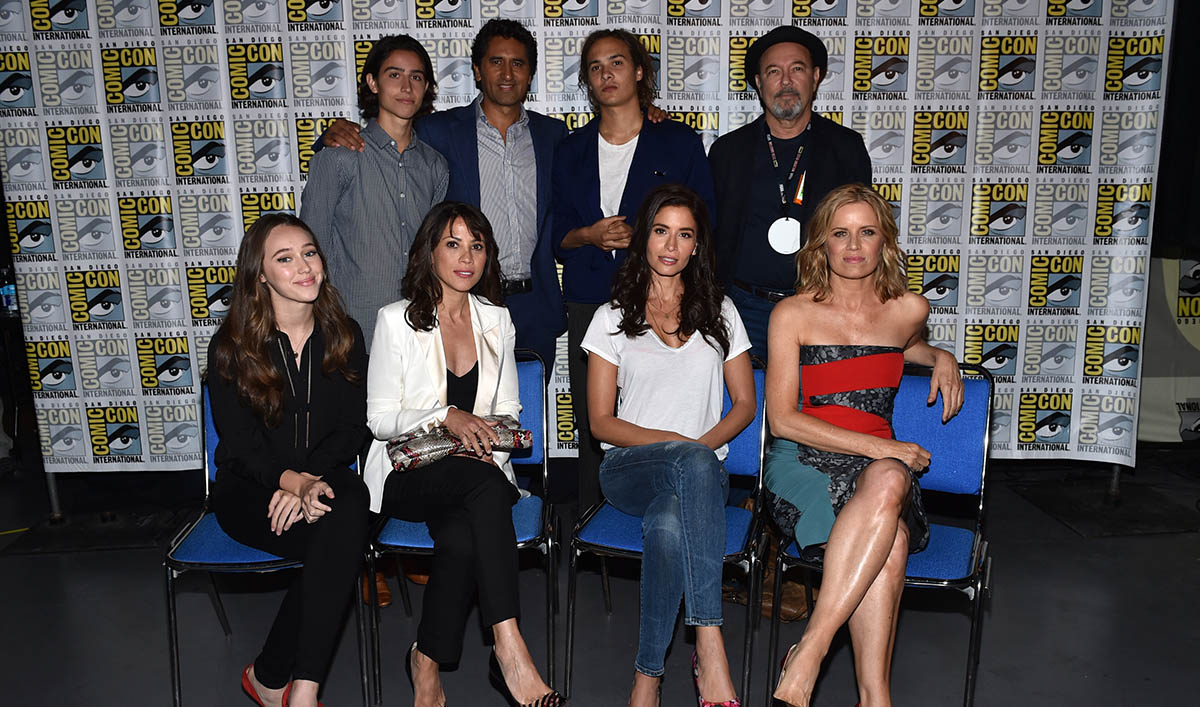 Photos – Fear the Walking Dead Cast and Producers at San Diego Comic-Con 2015