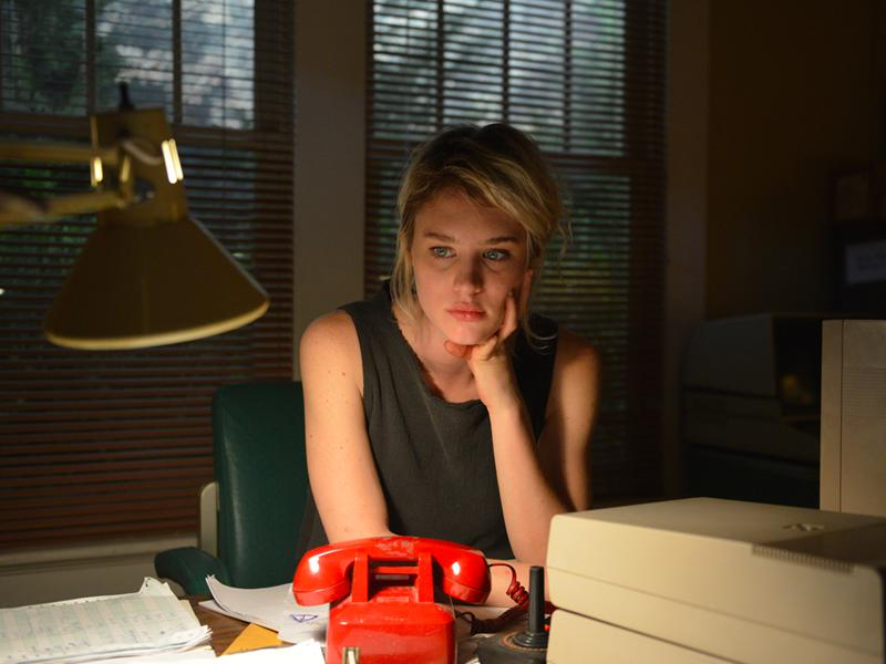 halt-and-catch-fire-episode-209-cameron-davis-photos-800×600