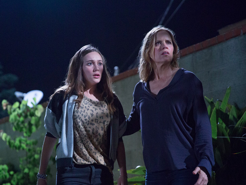 fear-the-walking-dead-episode-103-alicia-carey-madison-dickens-800×600