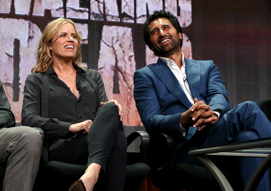 fear-the-walking-dead-tca-gallery-kim-dickens-cliff-curtis-2-935
