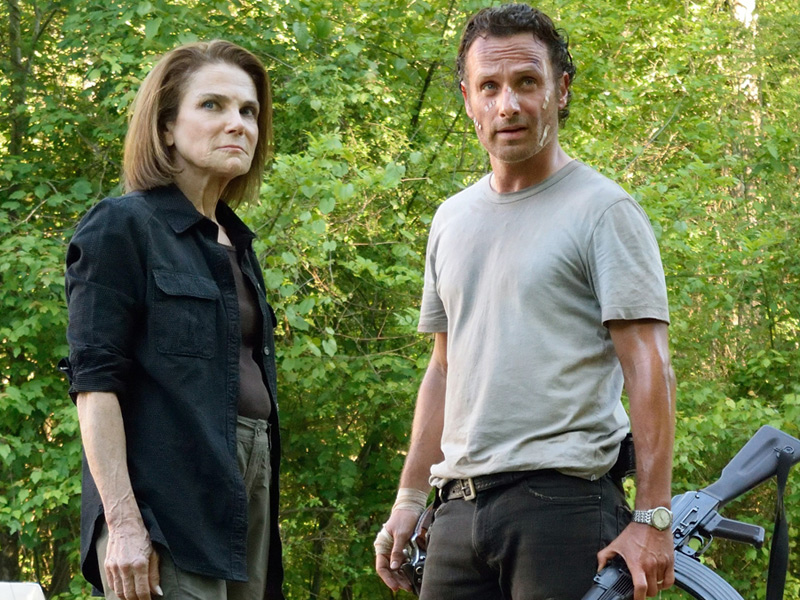 the-walking-dead-episode-601-deanna-feldshuh-rick-lincoln-800x600