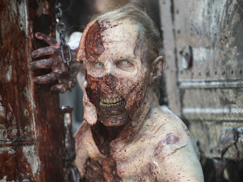 the-walking-dead-episode-601-walker-extras-800x600