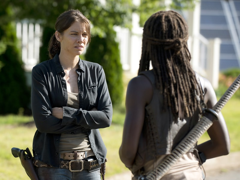 the-walking-dead-episode-605-maggie-cohan-michonne-gurira-C