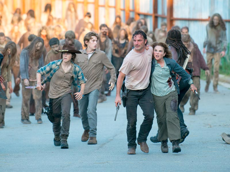 the-walking-dead-episode-608-carl-riggs-rick-lincoln-post-800×600