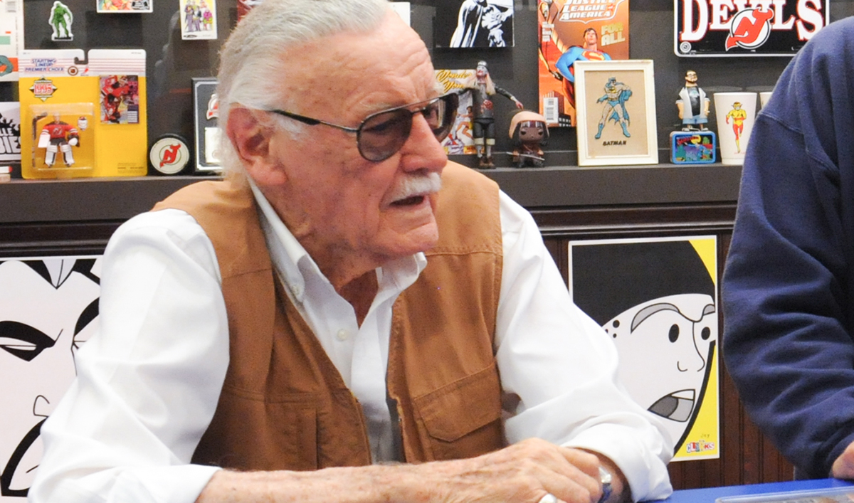 Video – Stan Lee Returns to the Stash in Two Sneak Peeks From the Midseason Premiere