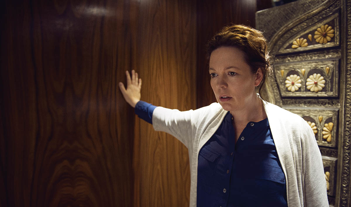 Olivia Colman Interviewed by <em>IndieWire</em>; <em>Night</em> Considered one of Year&#8217;s Best