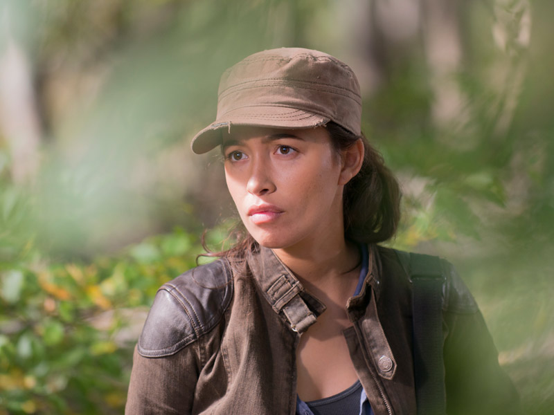 the-walking-dead-episode-615-rosita-serratos-pre-800x600