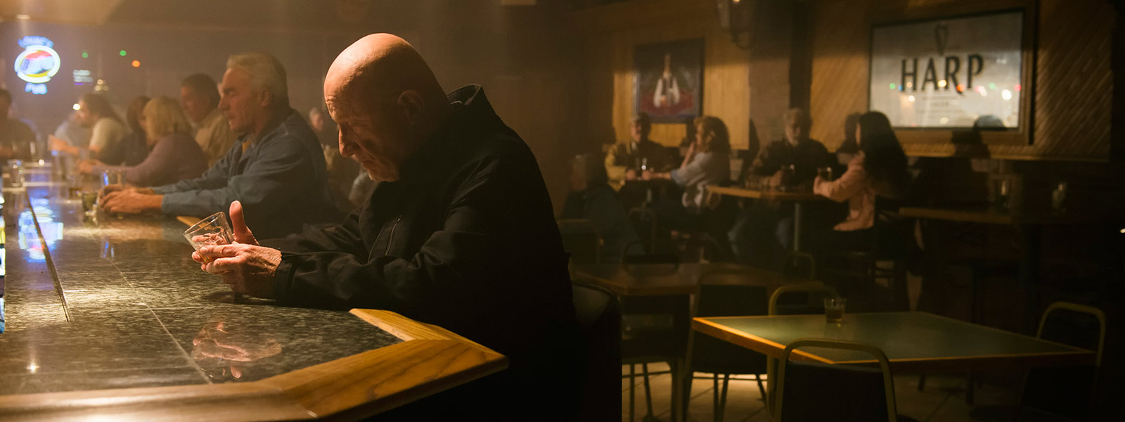 better-call-saul-episode-209-mike-banks-post-800×600