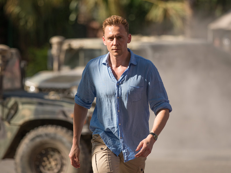 the-night-manager-101-jonathan-hiddleston-800×600