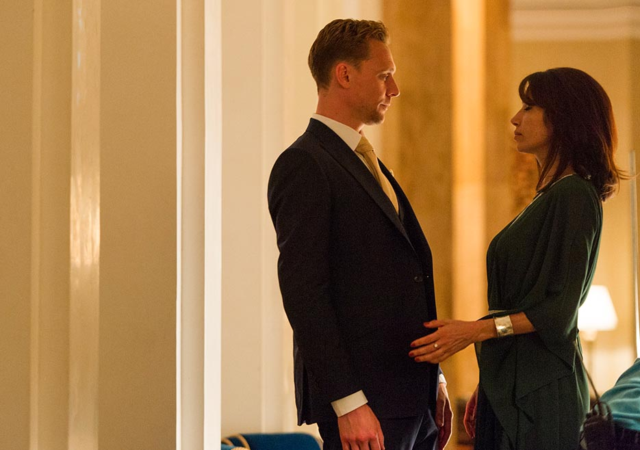 the-night-manager-101-jonathan-hiddleston-sophie-935x658