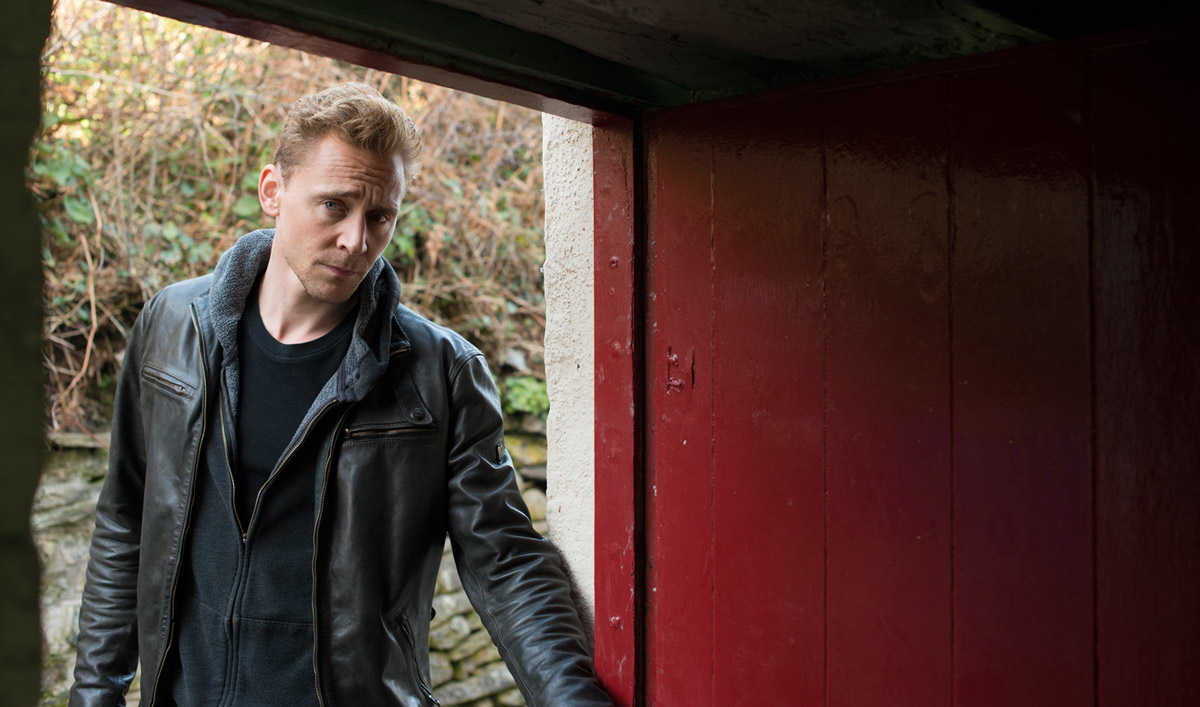 Extras for <em>The Night Manager</em> Episode 2