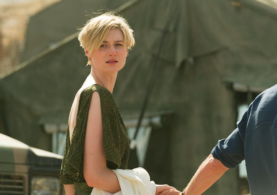 the-night-manager-105-jed-debicki-935x658