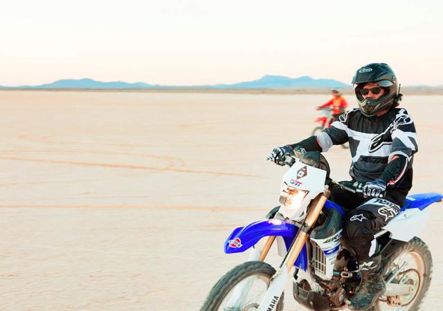 ride-102-norman-reedus-dirt-bike-935x658