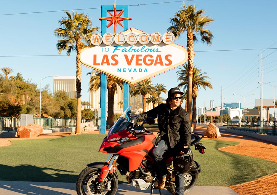 ride-104-norman-reedus-las-vegas-sign-935x658-1
