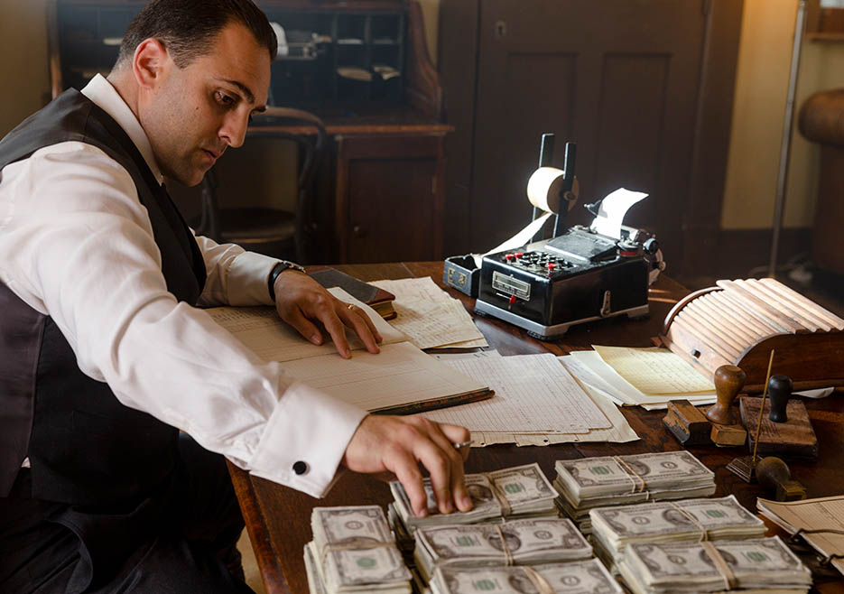 making-of-the-mob-201-al-capone-bookkeeping-935