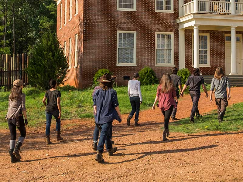 the-walking-dead-episode-708-rick-lincoln-daryl-reedus-800×600-2