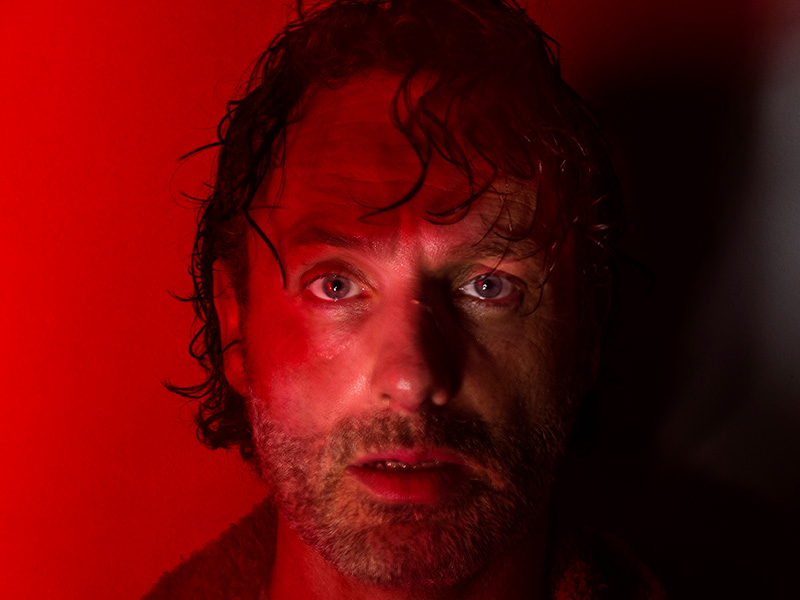 the-walking-dead-season-7-rick-lincoln-red-portraits-800×600-1