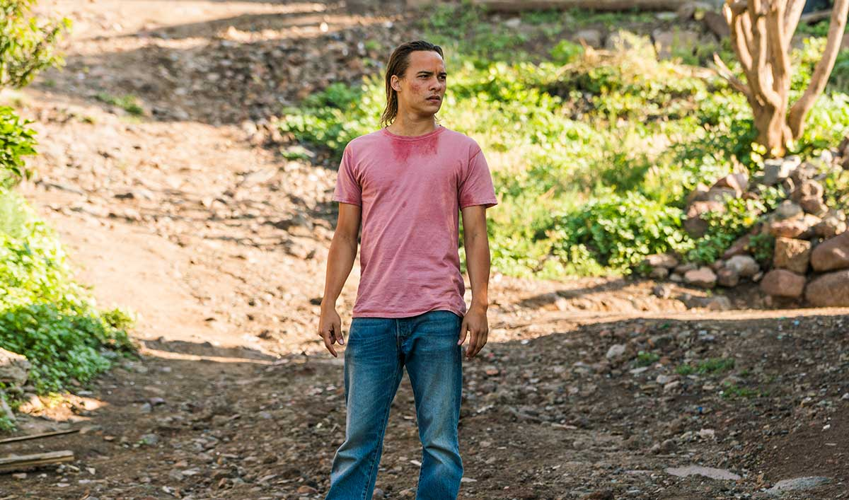 Extras for <em>Fear the Walking Dead</em> Episode 9