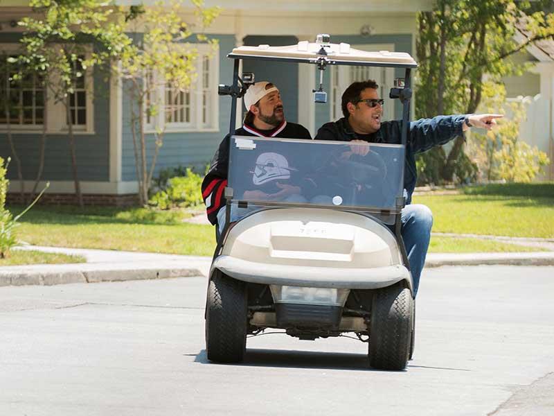geeking-out-first-look-kevin-smith-greg-grunberg-golf-cart-800×600