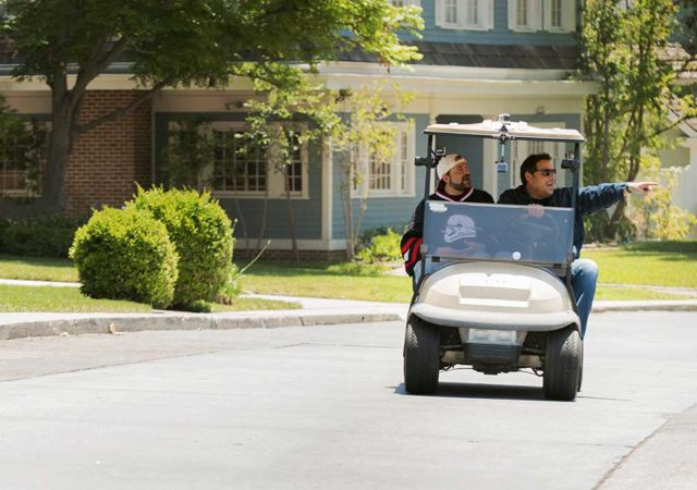 geeking-out-first-look-kevin-smith-greg-grunberg-golf-cart-935