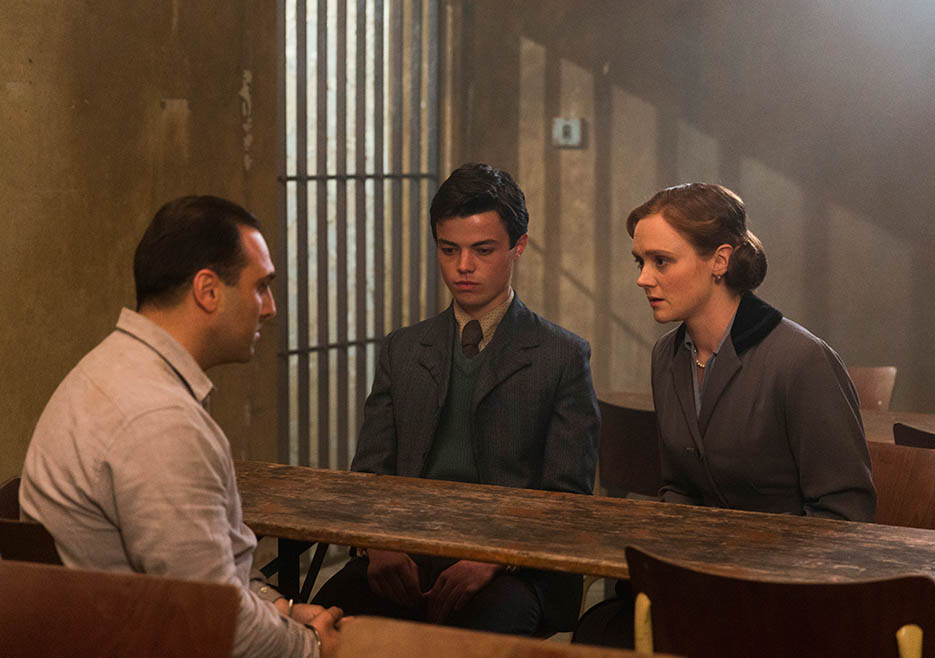 making-of-the-mob-205-al-capone-jail-son-wife-935