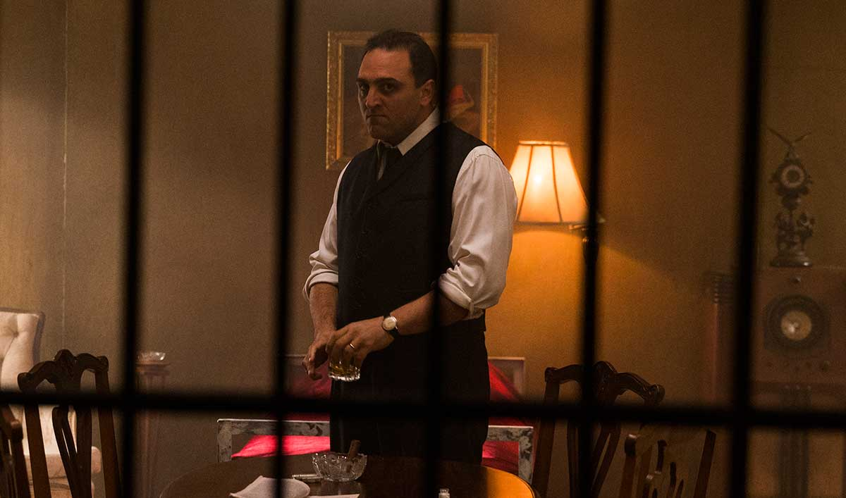 Full Episode – The Government Closes In on Al Capone