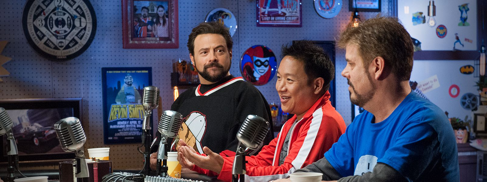comic-book-men-601-800×600