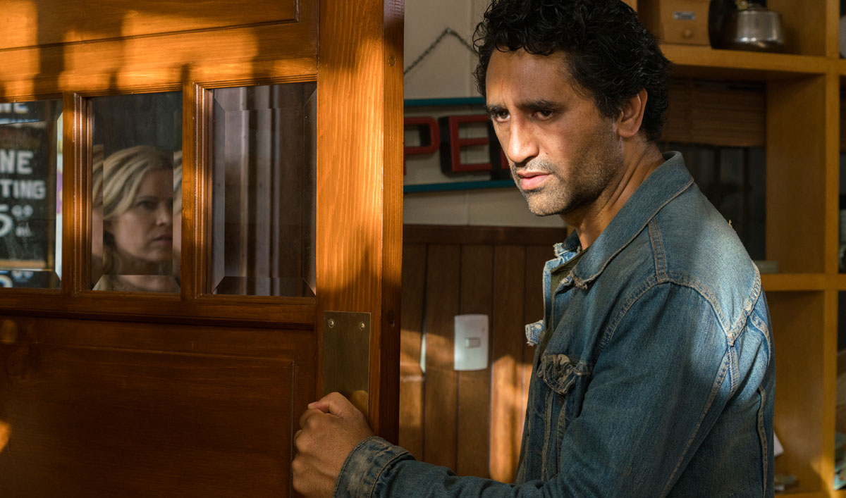 fear-the-walking-dead-episode-214-travis-cliff-curtis-1200x707