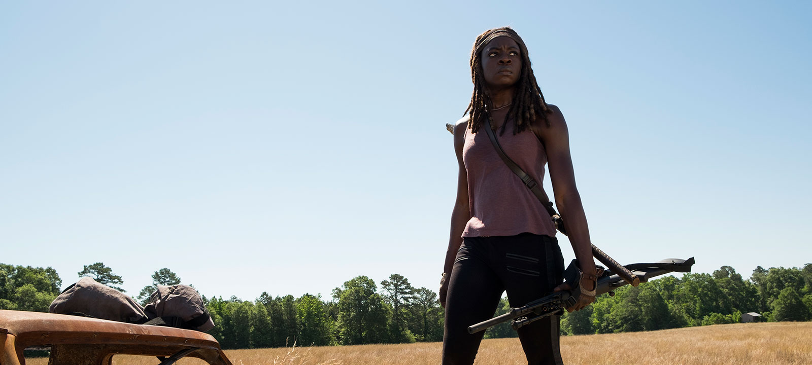the-walking-dead-episode-704-michonne-gurira-800×600-interview