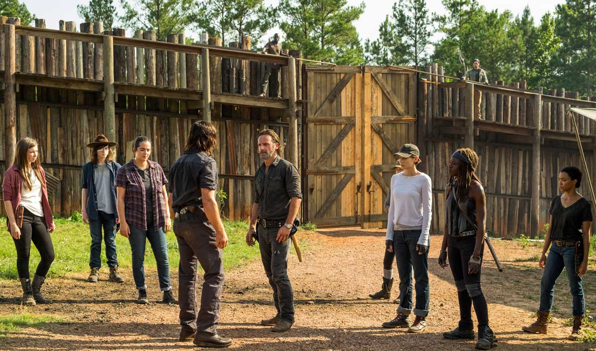 Norman Reedus Talks Daryl With <em>EW</em>; Carrie Underwood Wants to Be a Walker