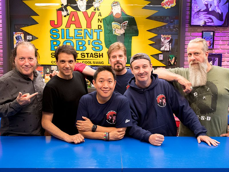 comic-book-men-609-800x600