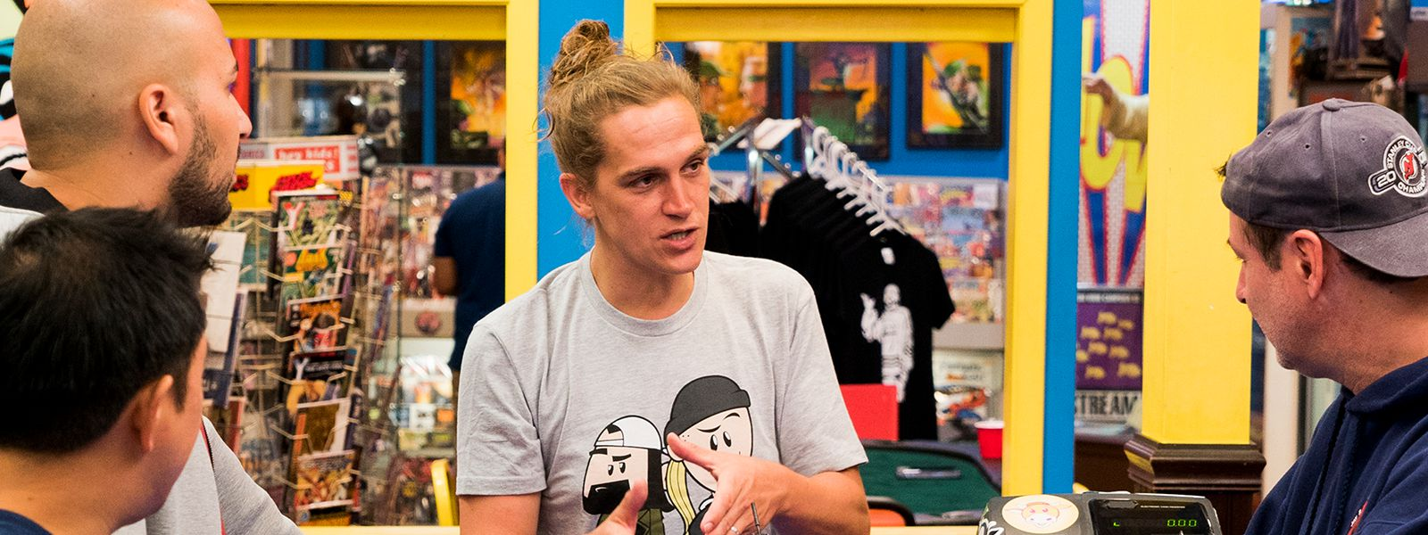 comic-book-men-611-pre-jason-mewes-800×600