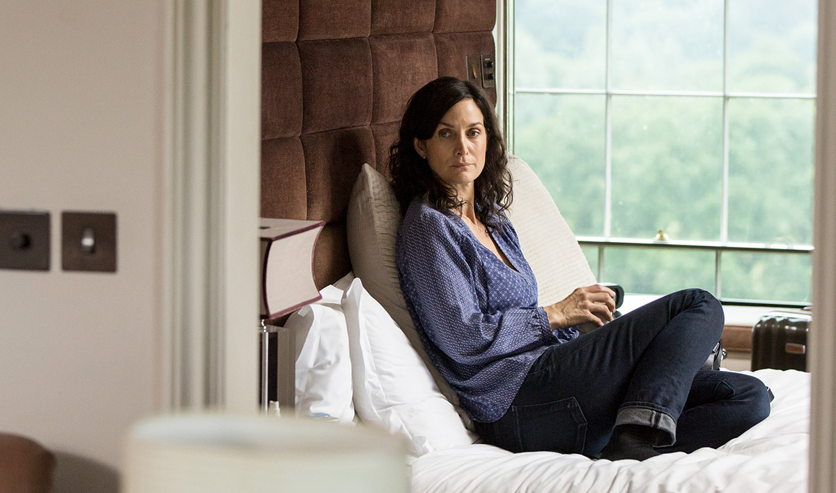 <em>Humans</em> Q&#038;A &#8212; Carrie-Anne Moss (Dr. Athena Morrow)