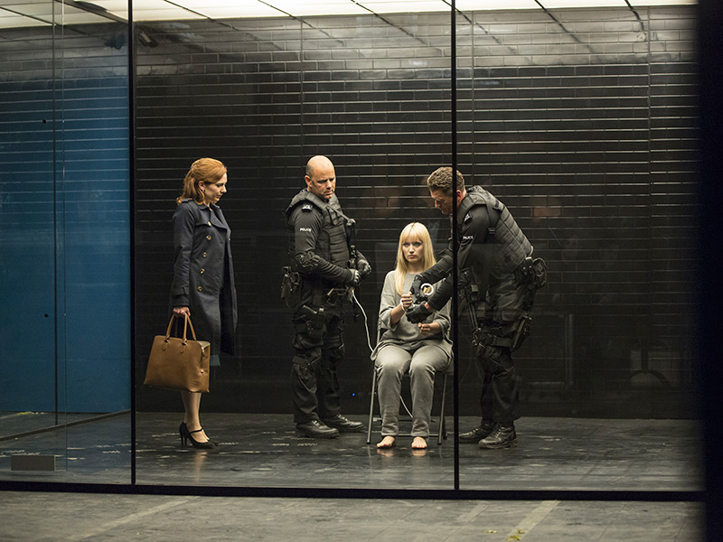 humans-203-laura-parkinson-niska-berrington-800