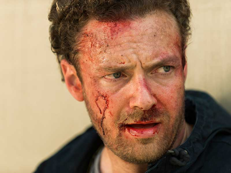 the-walking-dead-episode-708-aaron-marquand-800×600-interview