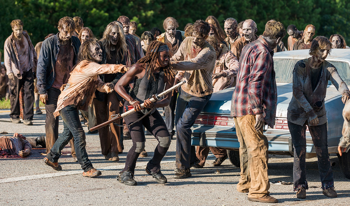 Greg Nicotero Teases What&#8217;s Next to <em>EW</em>; <em>E!</em> Hails Mid-season Premiere Walker Kills
