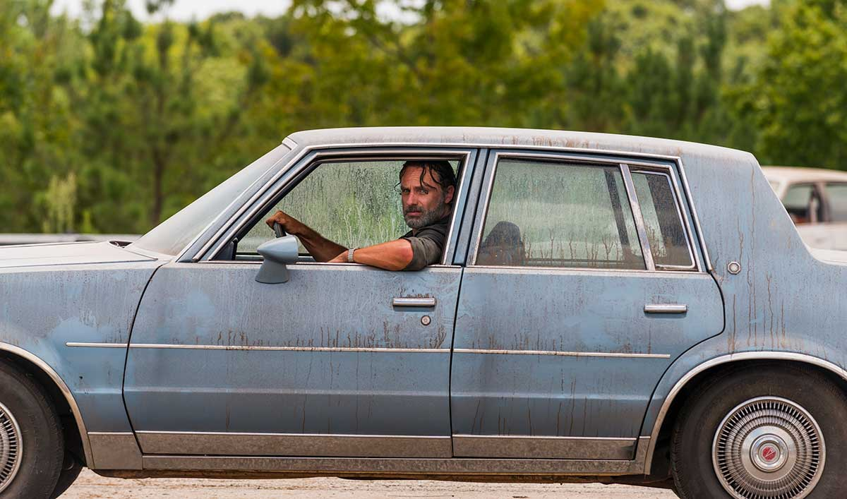 Sneak Peek of <em>The Walking Dead</em> Mid-Season Premiere: There&#8217;s More Bang in This Roadblock Than Meets the Eye