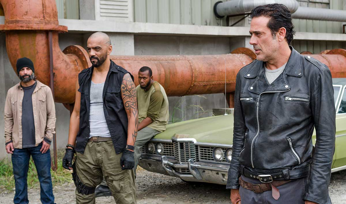 Extras for <em>The Walking Dead</em> Episode 11