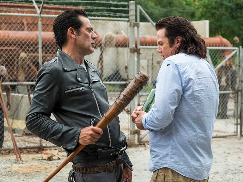 the-walking-dead-episode-711-negan-morgan-eugene-mcdermitt-800×600-photos