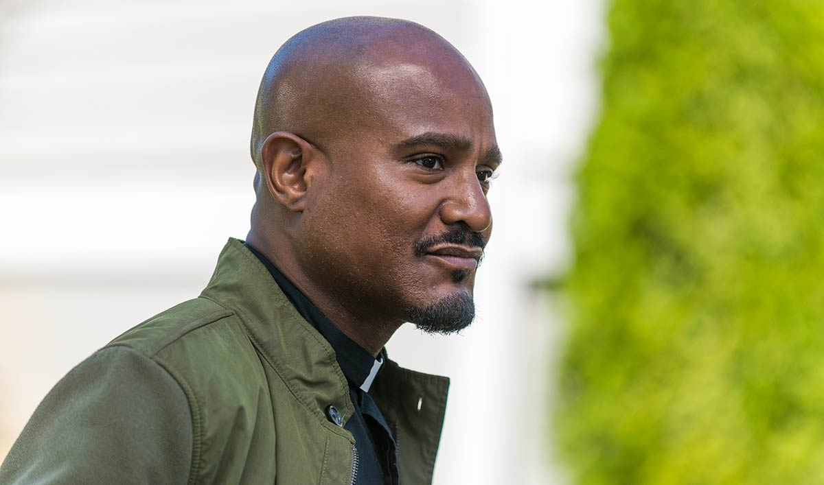 (SPOILERS) <em>The Walking Dead</em> Q&#038;A — Seth Gilliam (Father Gabriel)
